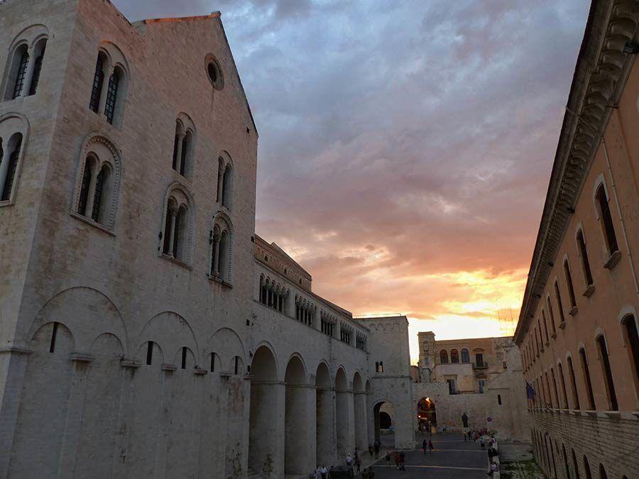 basilica de san nicolas, viaje apulia