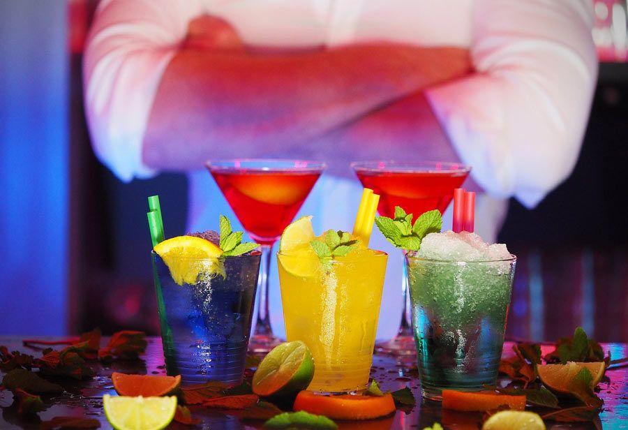 cocteleria moderna, bares de cocteles barcelona
