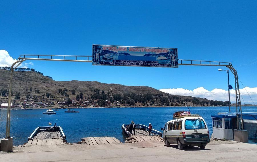 barcos lago titicaca