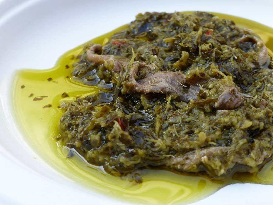 comida tipica de turin, salsa bagnacauda de turin