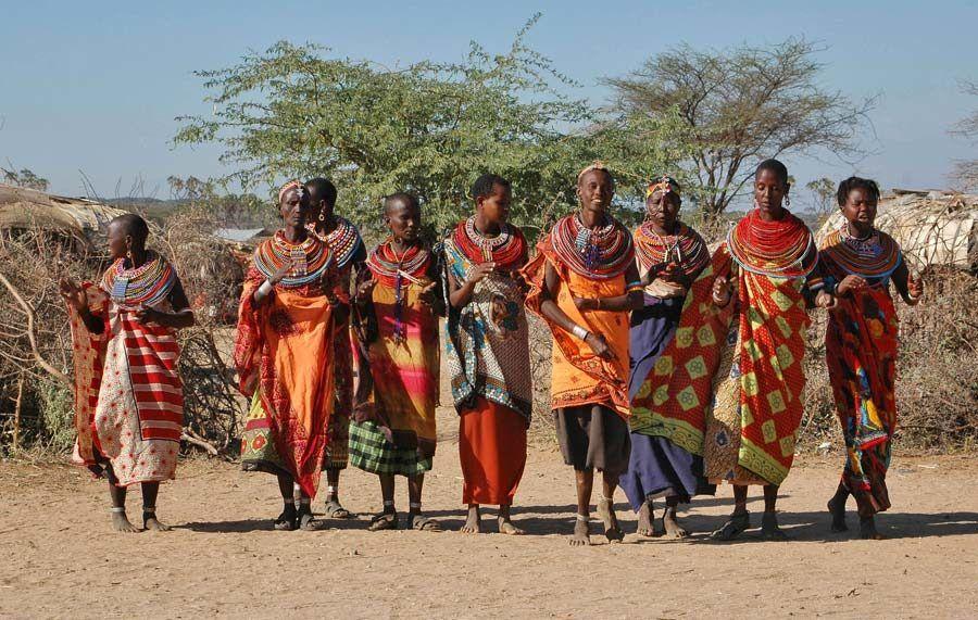 mujeres sambur, viaje lago turkana
