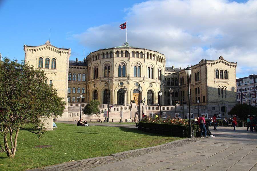parlamento de oslo, viaje noruega, viaje oslo