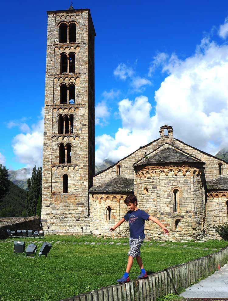 iglesia de Sant Climent de Taull, rutas en familia, valle de boi, ruta romanico lleida