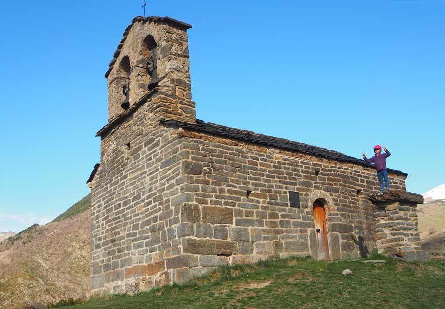 Ermita de Sant Quirce de Durro  ruta romanico en vall de boi