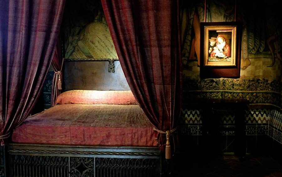 dormitorio alcazar segovia