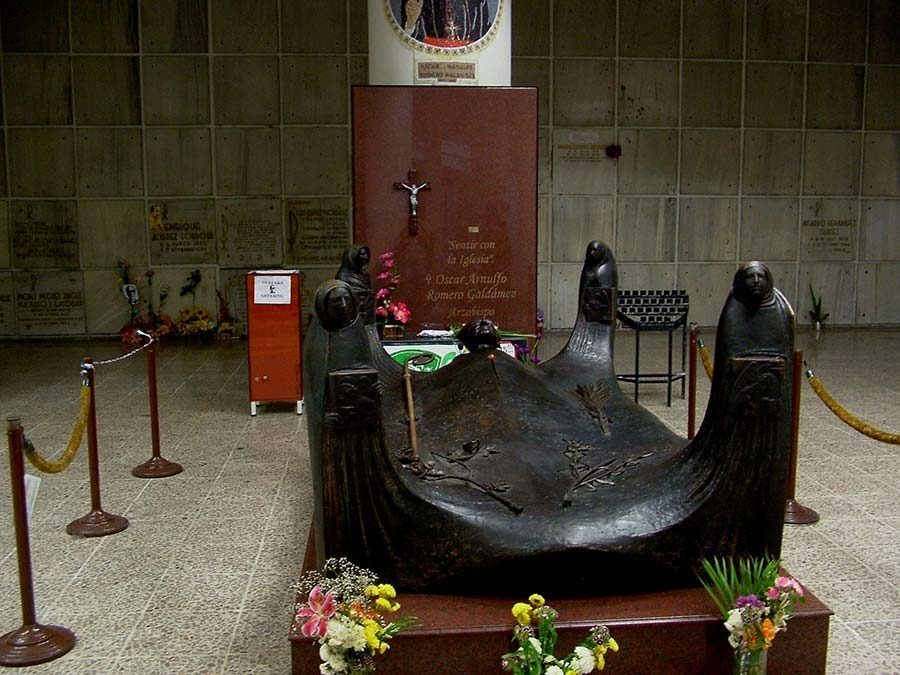 tumba monsenor, san salvador, ruta historica san salvador