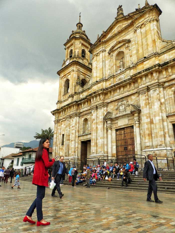 catedral bogota, viaje mujeres colombia