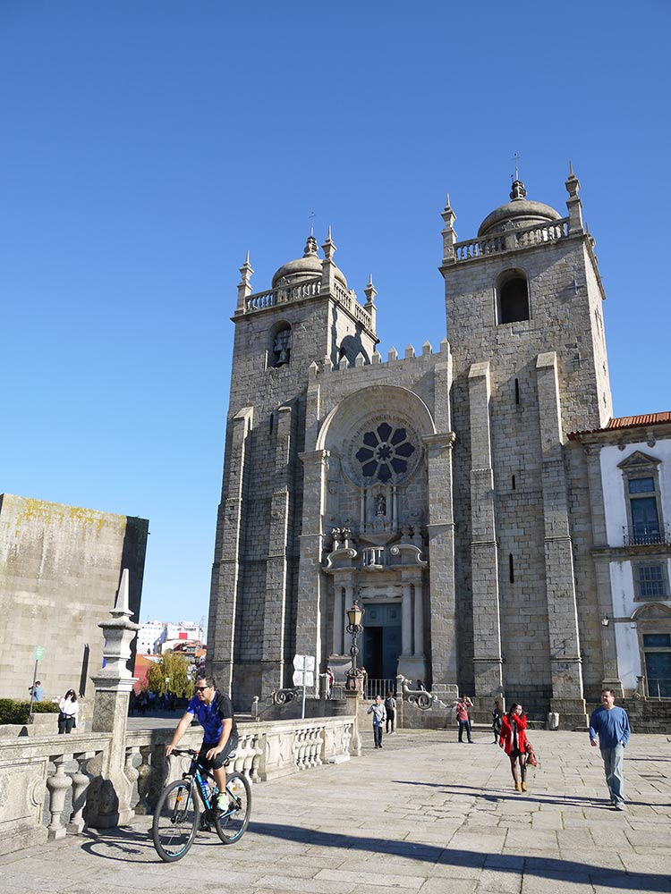 catedral oporto, viaje oporto con amigas