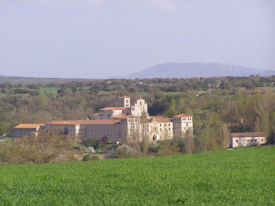 licores de monasterio, ruta por los monasterios, viajes en pareja