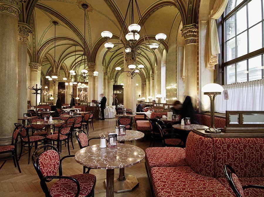 cafe central, freud netflix, ruta freud en viena, museo de freud viena