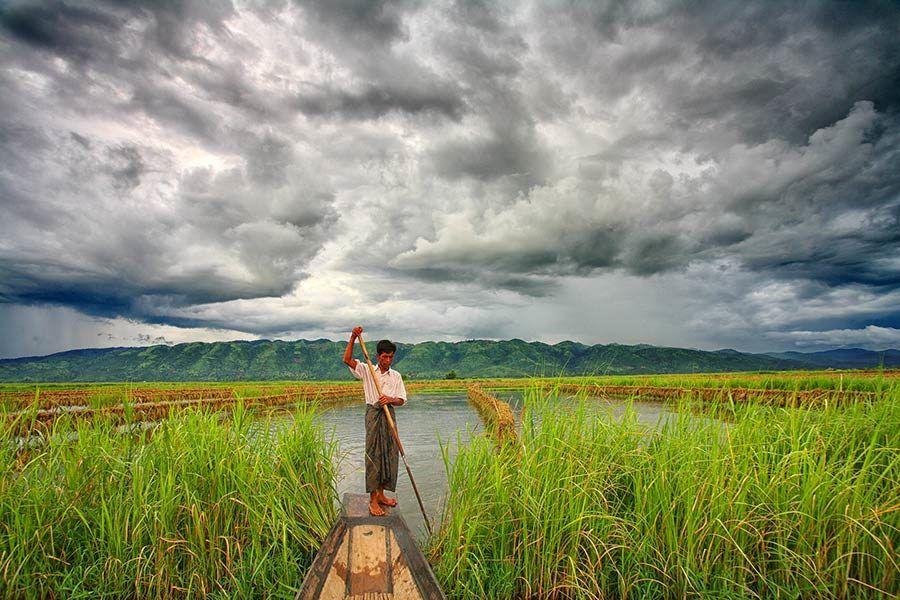 Pescador intha en el lago Inle, viaje myanmar