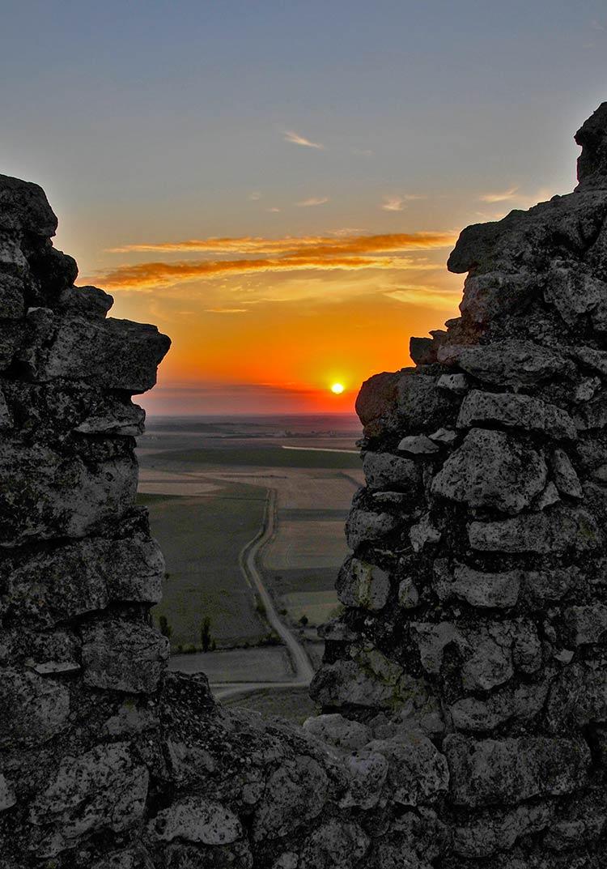 castillo uruena, atardecer en uruena, excursion valladolid
