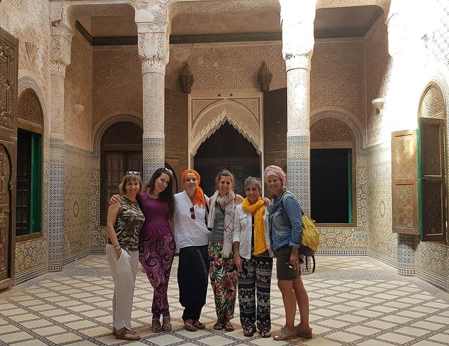 viajes en grupo para mujeres, mujeres que viajan solas