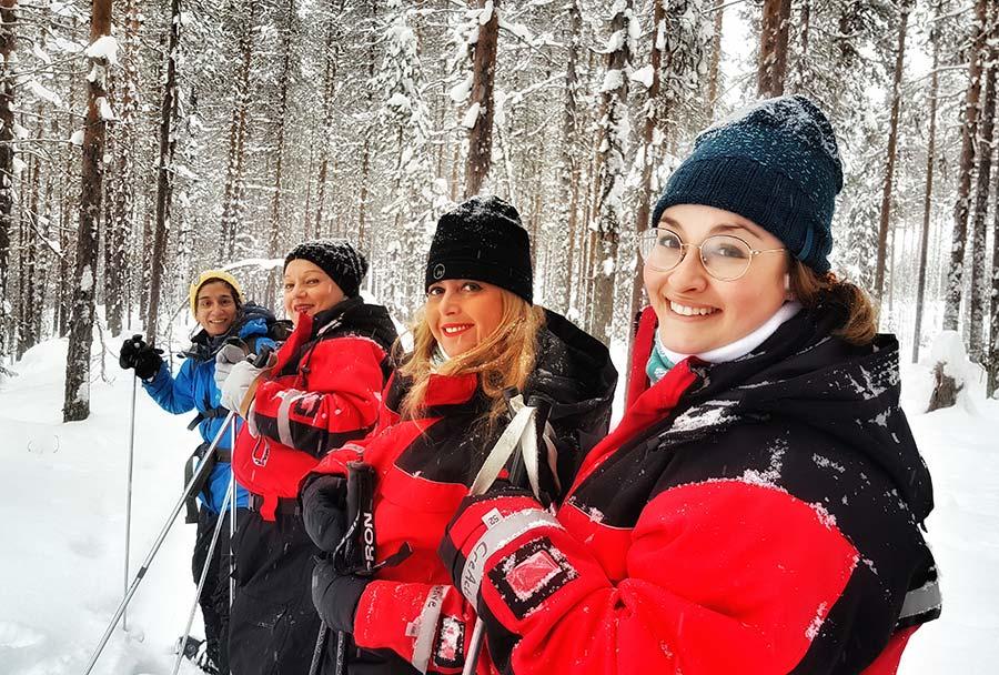 mujer y viajera, viajes en grupo para mujeres