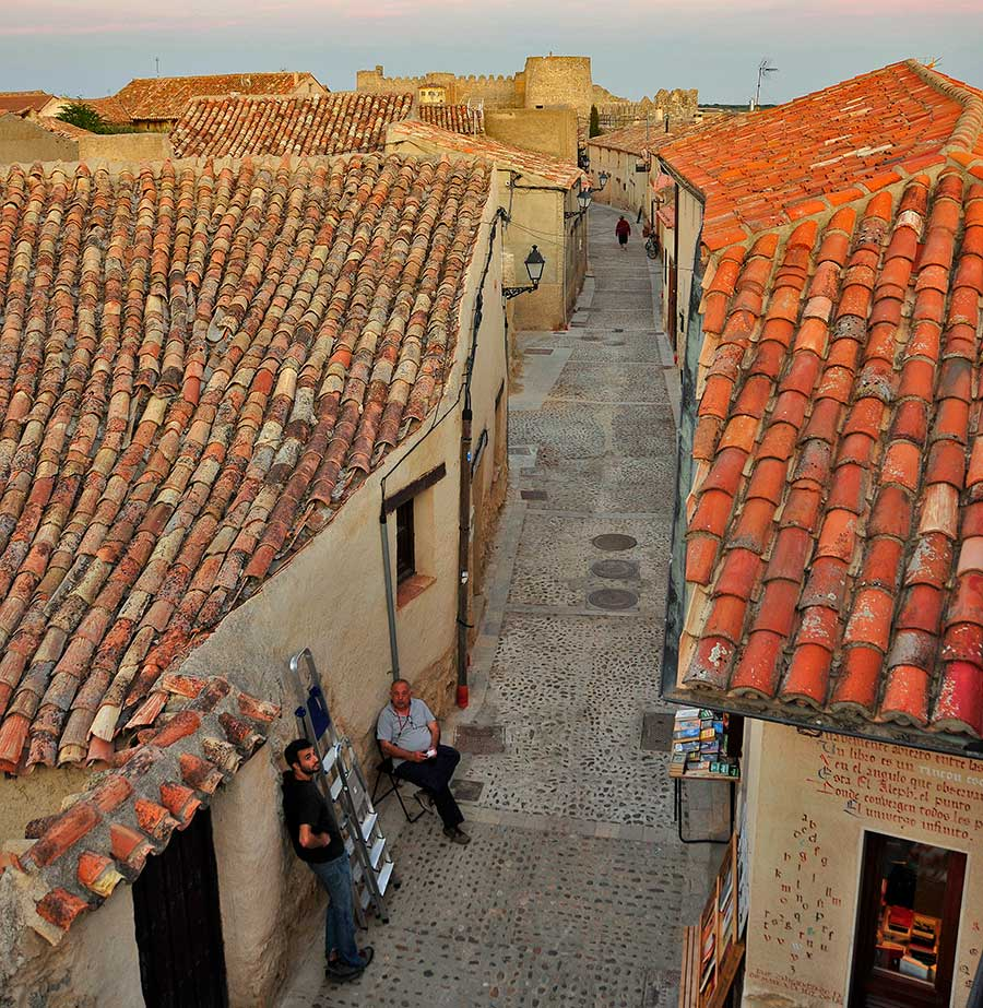 calles de uruena, villa del libro espana, excursion vallaodlid, pueblos bonitos
