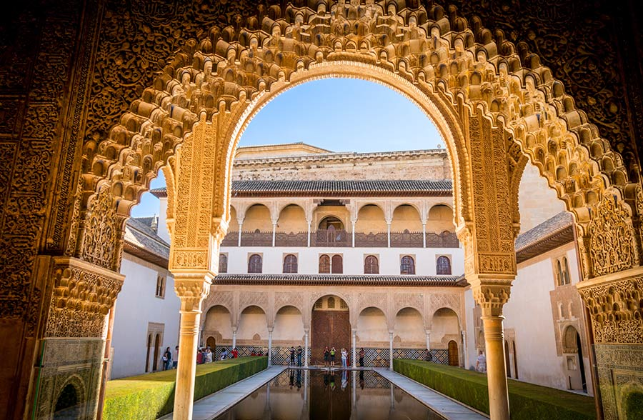 alhambra, granada, viaje mujeres