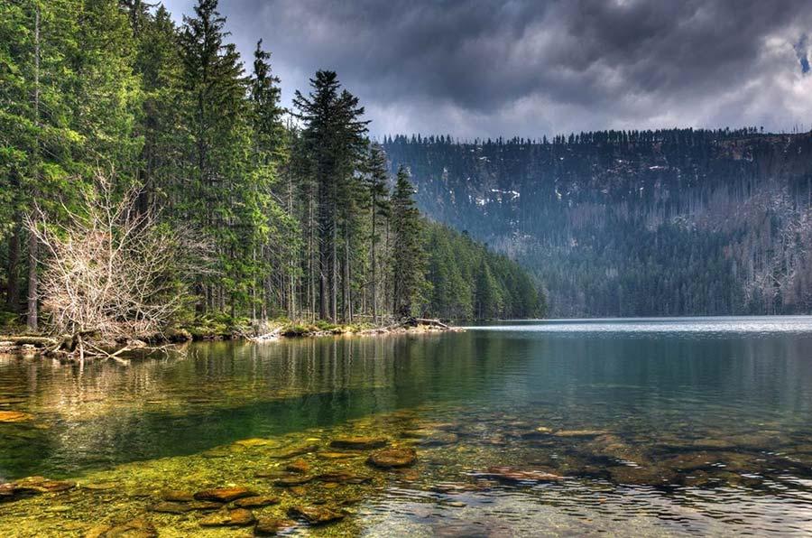 lago negro, sumava, viajar sola chequia