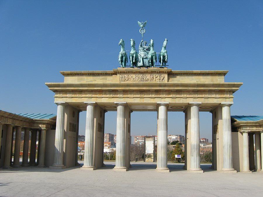 parque europa, puerta de brandeburgo, escapadas desde madrid