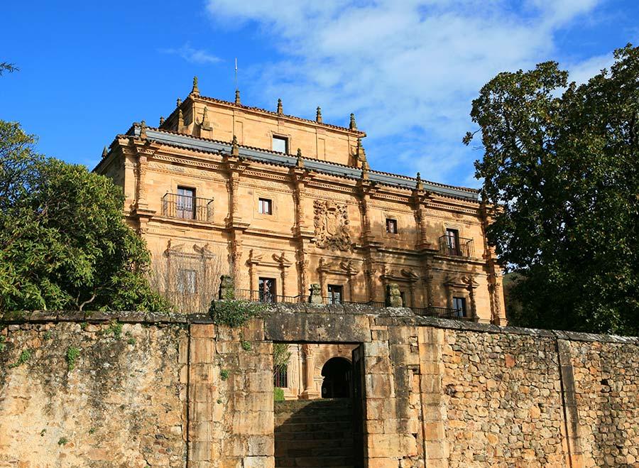 palacio sonanes, rutas cantabria, hotel lujo cantabria