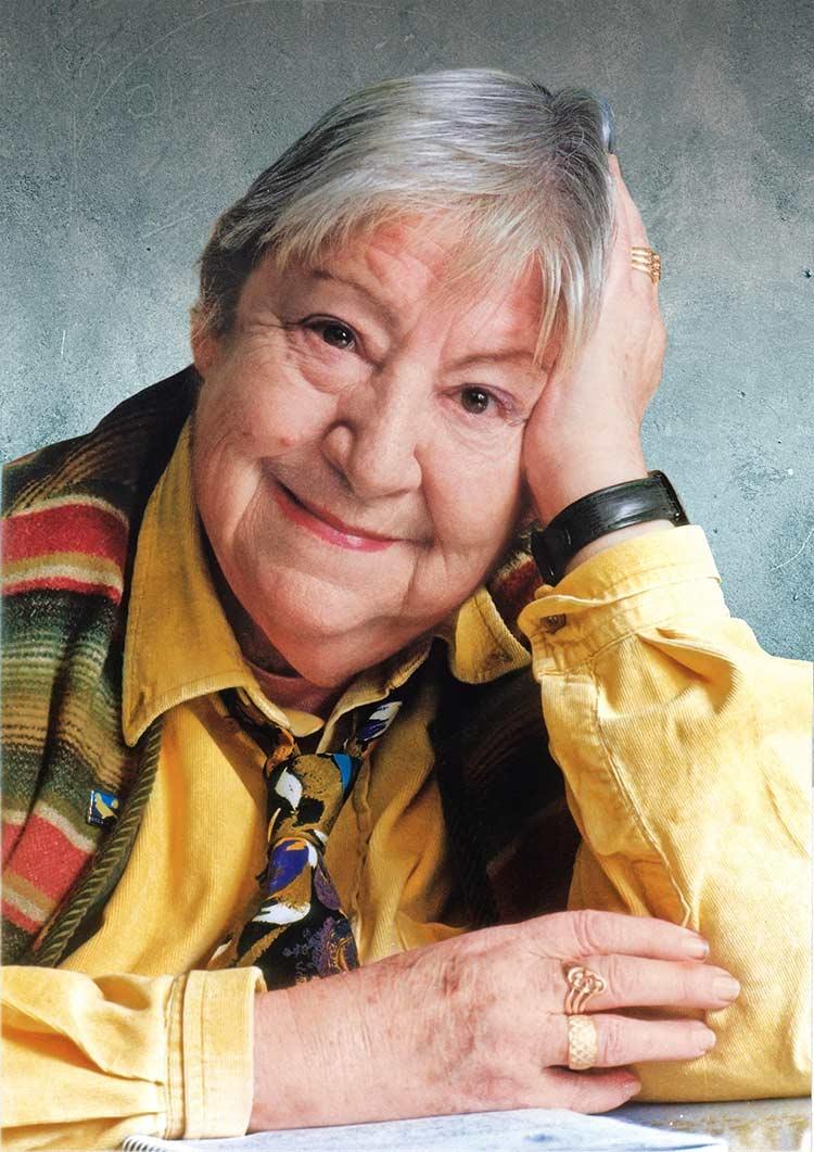gloria fuertes, escritora siglo XX, escritora madrid