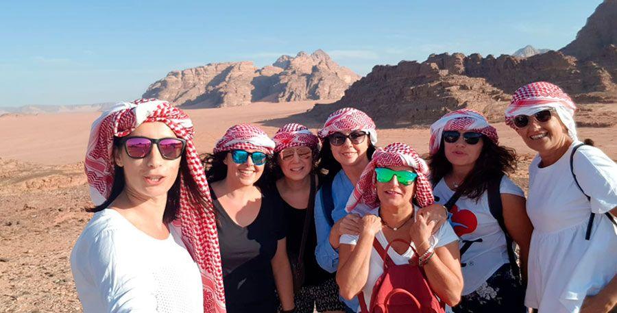 Jordania, tacones viajeros, agencia de viajes para mujeres, viajar sola en grupo