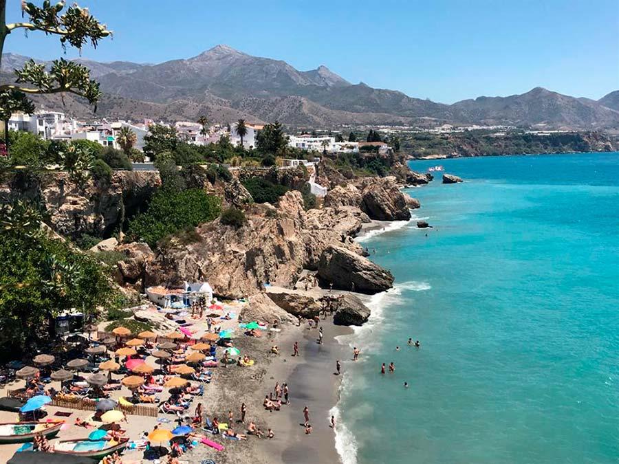 playa Nerja, Axarquia, malaga, viajar sola malaga