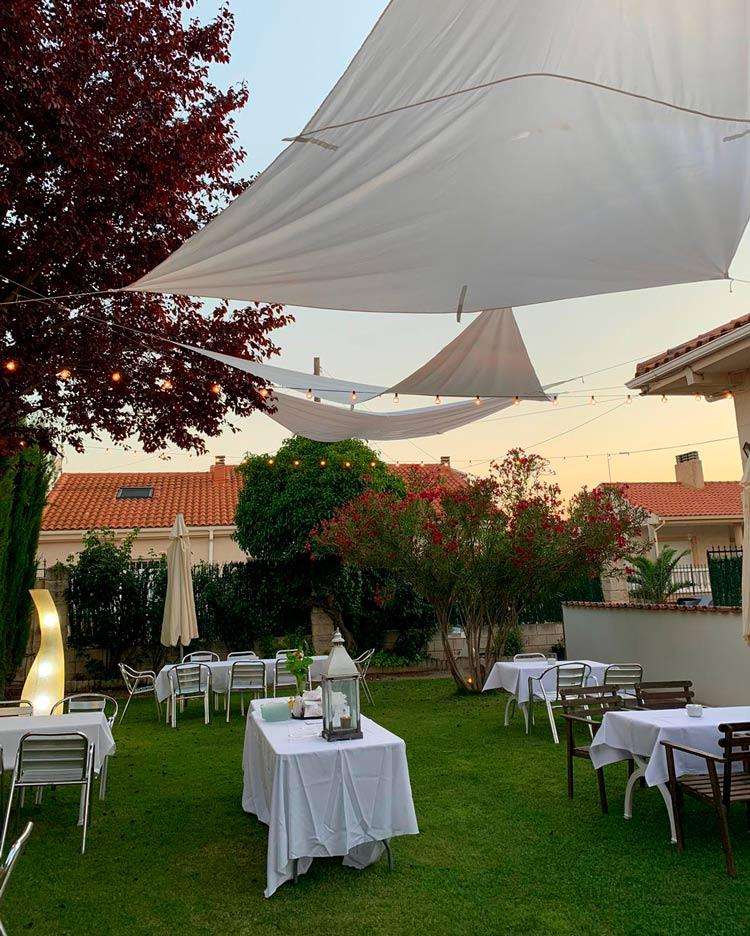 Terrazas Y Restaurantes Donde Cenar Al Fresco En Castilla La Mancha Etheria Magazine