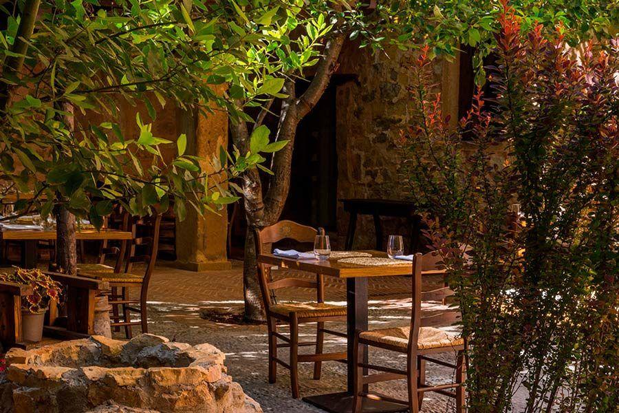 terraza Siguenza, verano, restaurante el doncel