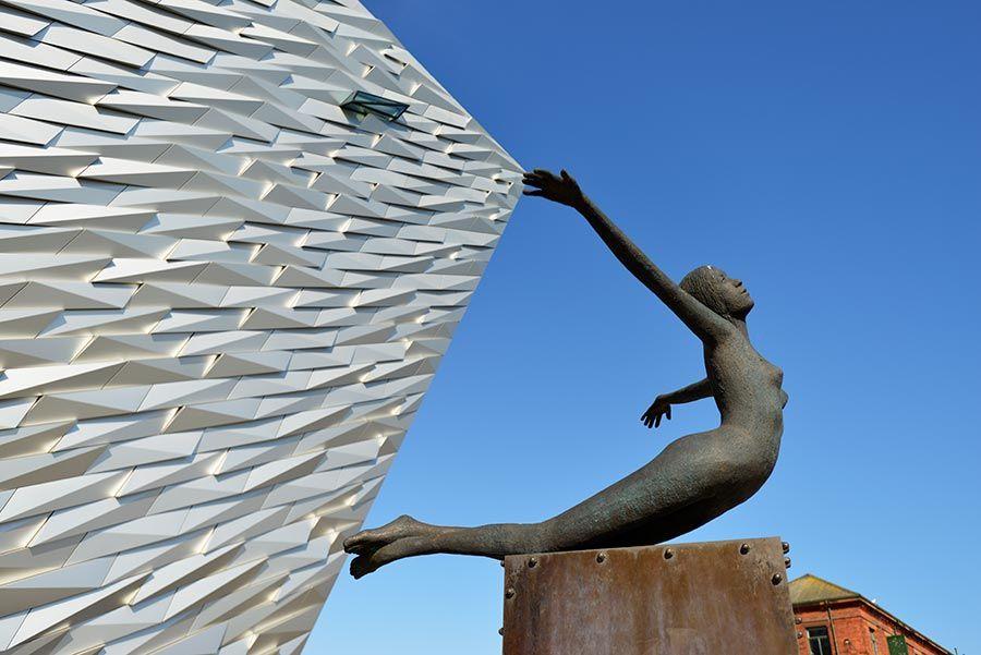 Escultura del Titanic Belfast