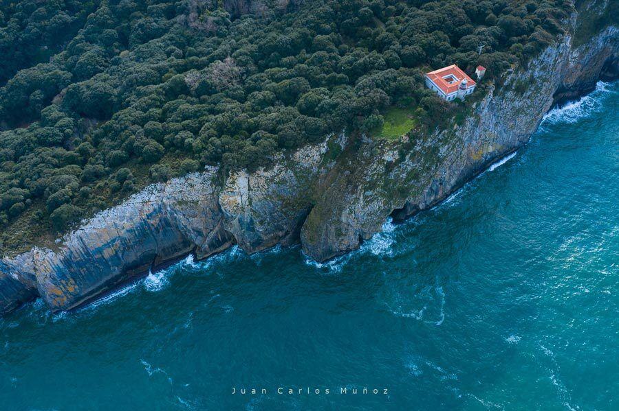 faro de San Emeterio, pindal, asturias