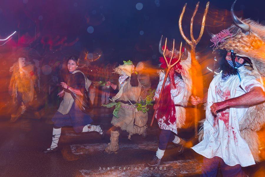 Momotxorros en el carnaval de alsasua