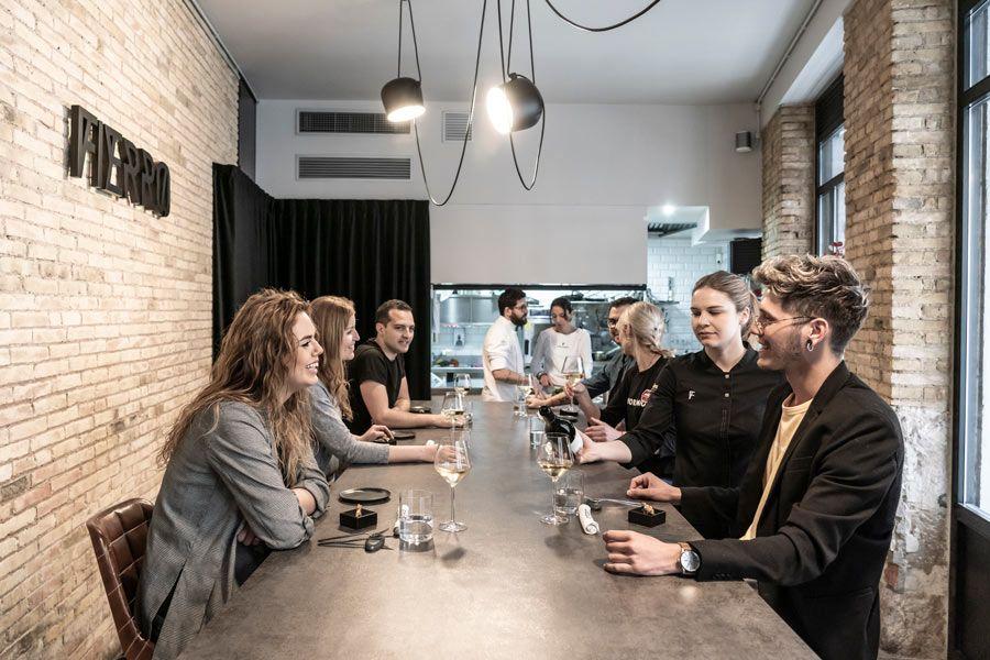 fierro un restaurante para cenar con amigas en valencia