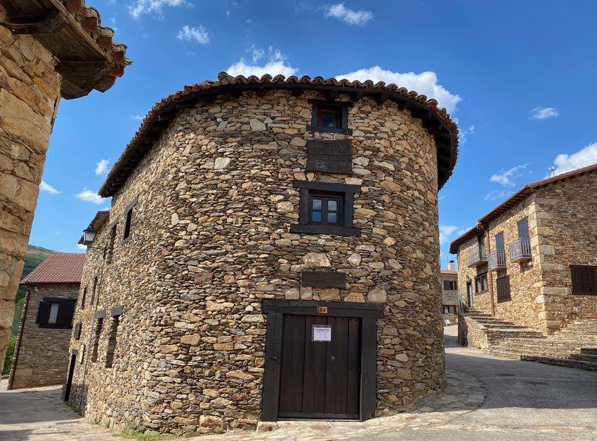 museo etnologico de horcajulelo de la sierra