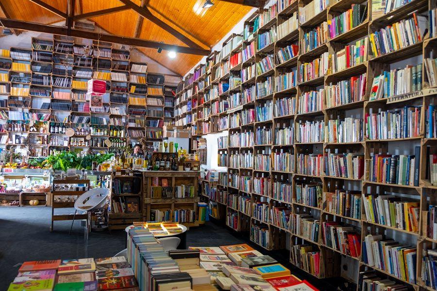 libreria en mercado de obidos