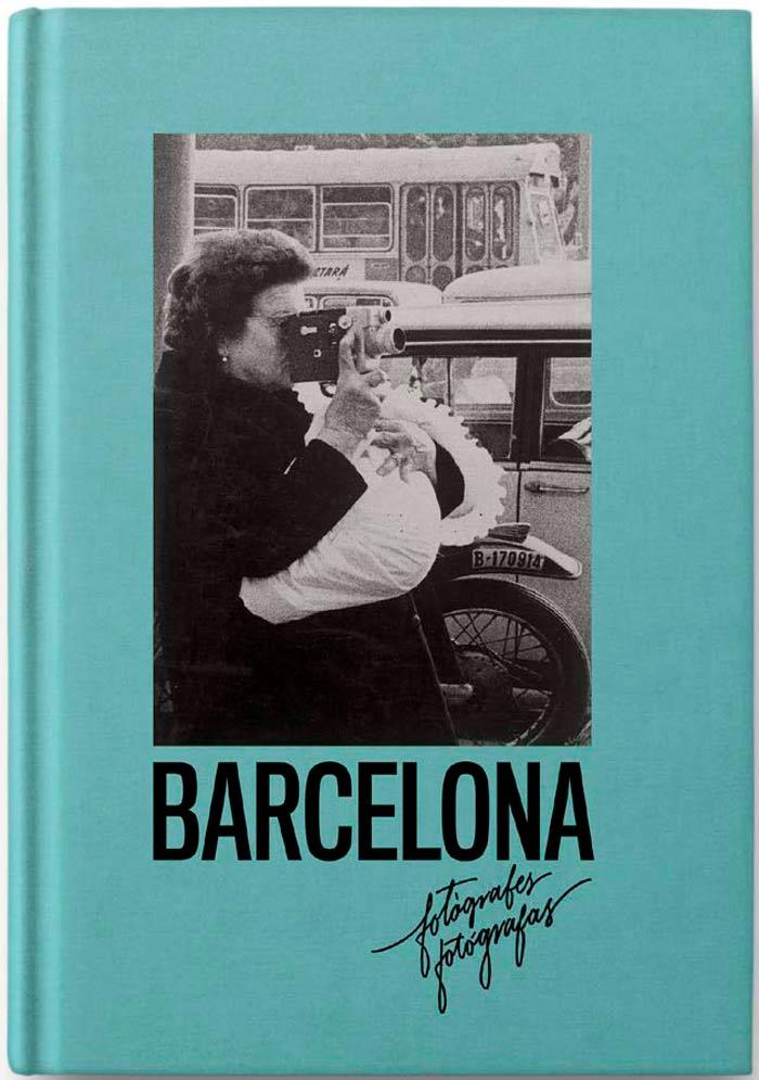 libro de barcelona con imagenes de mujeres fotografas