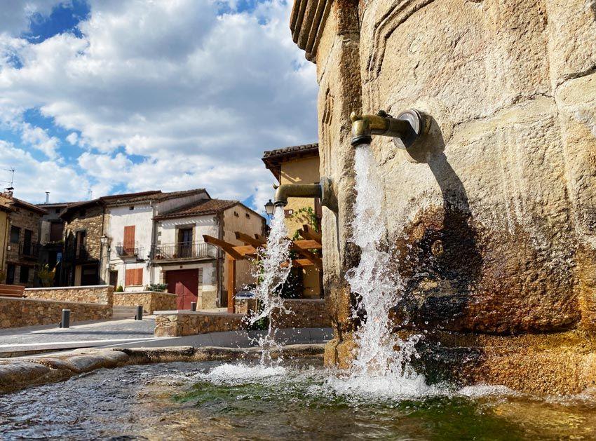 plaza de Montejo de la sierra