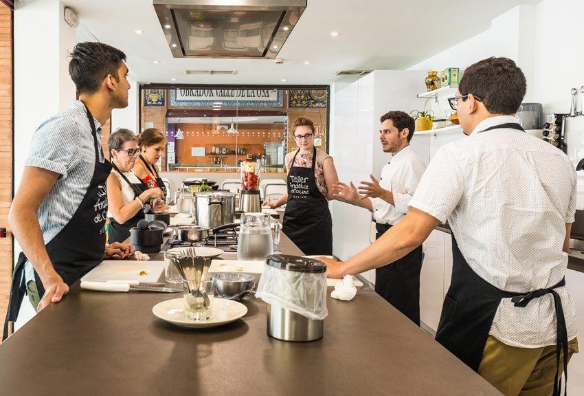 taller de cocina en sevilla para hacer con amigas