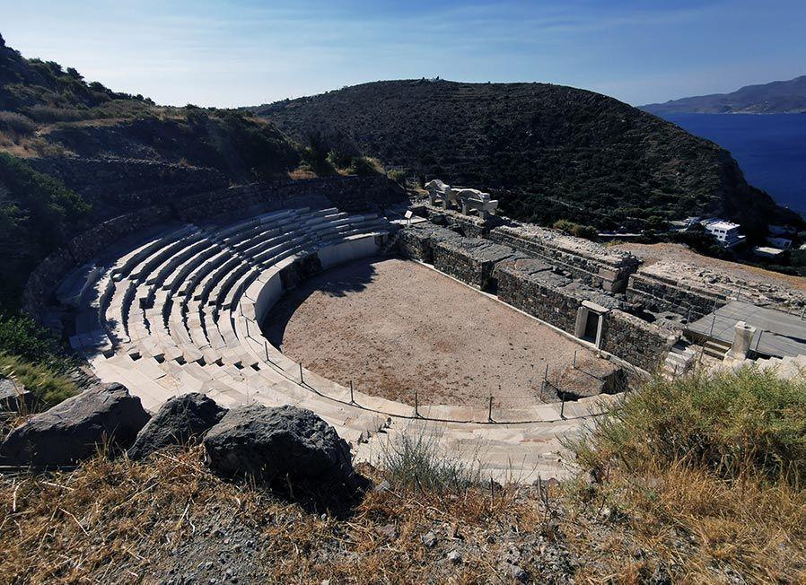 teatro de milos en islas cicladas