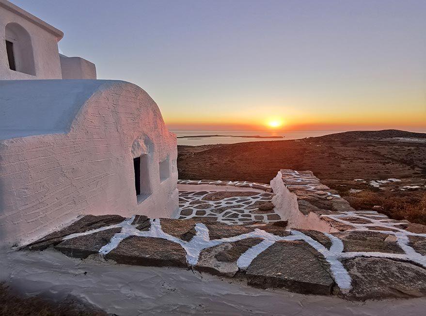 Atardecer en paros isla griega