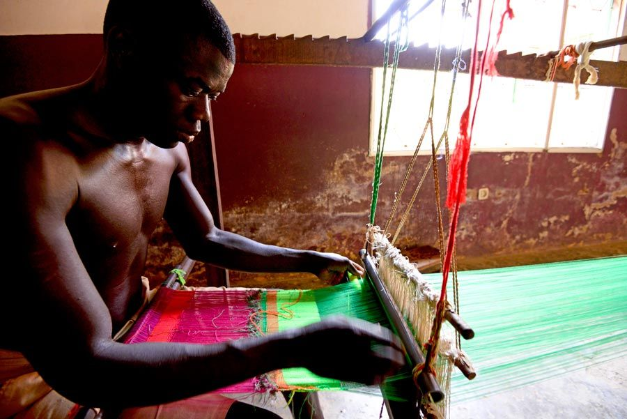 telar artesano en guinea bissau