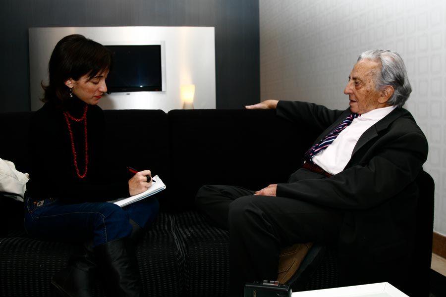 entrevista de maria Miret a rolando toro