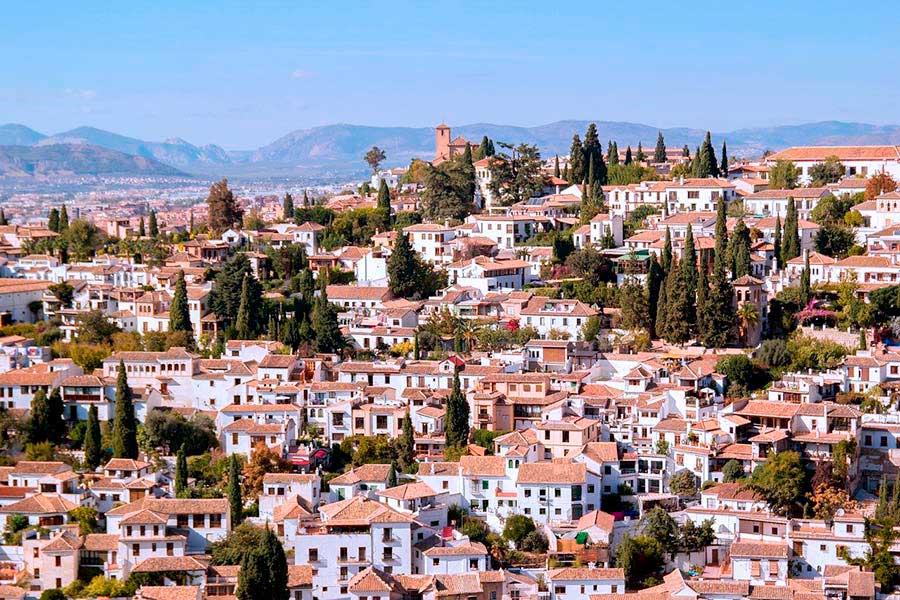 El Albaicín es una visita obligada en Granada.