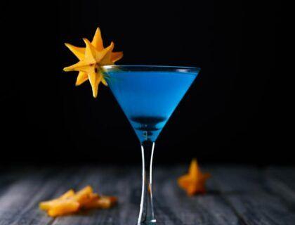 coctel azul moderno