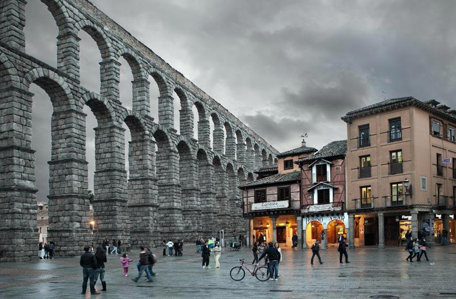 meson candido y puente romano de Segovia
