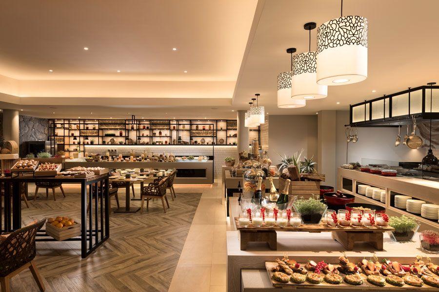 desayunos bufé en hotel de lujo