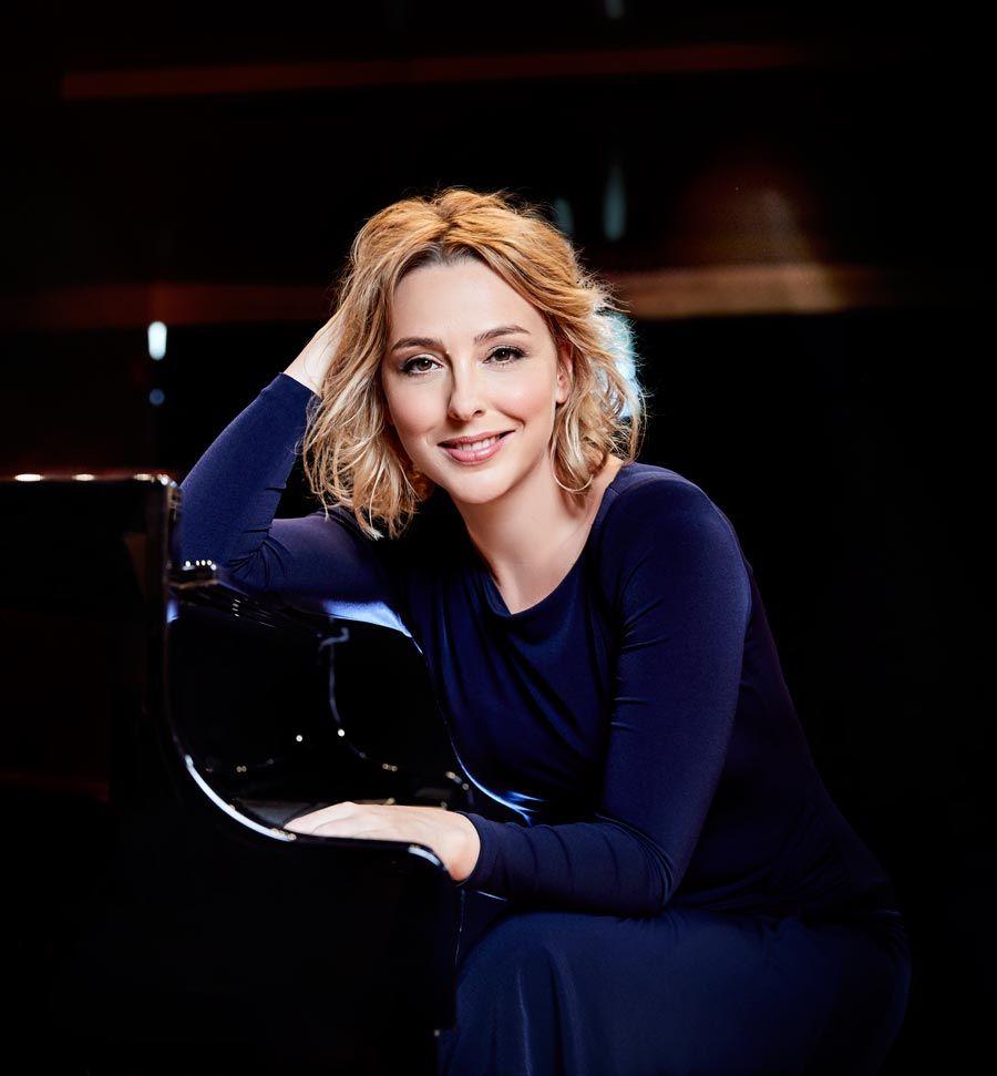 Pianista judith Jauregui del Ciclo de Grandes Autores e Interpretes de la Musica