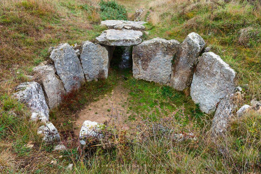 dolmen morueco del valle sedano