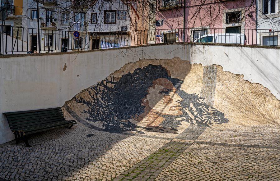 mural vhils Amalia Rodrigues