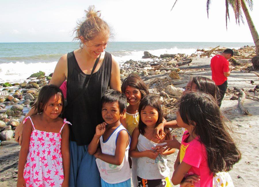 Nuria Diez, mujeres filipinas, solidariad, todos los caminos llevan a filipinas