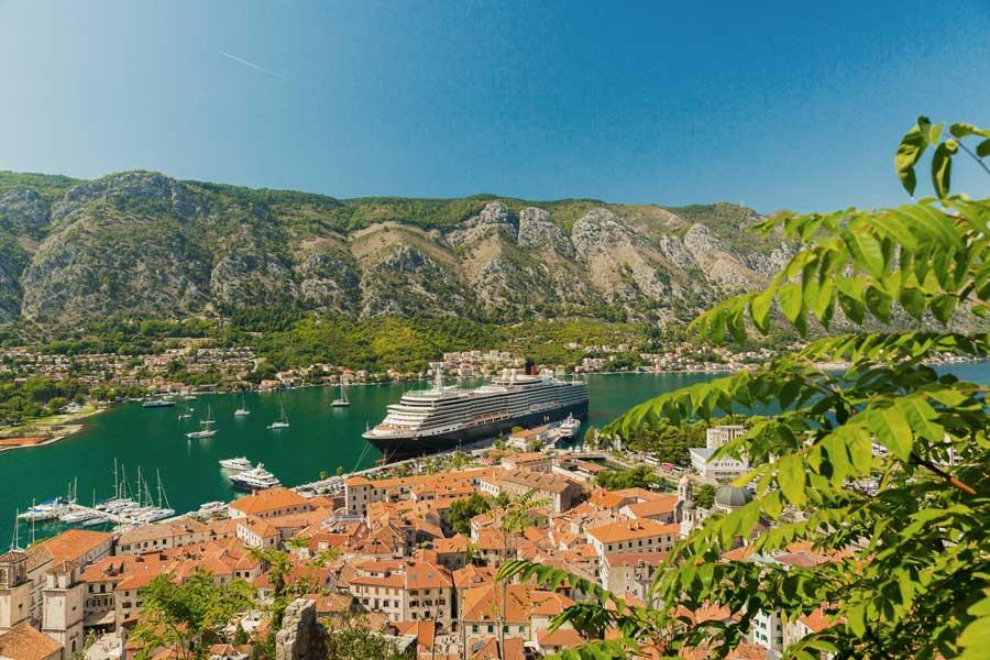 crucero puerto de kotor montenegro